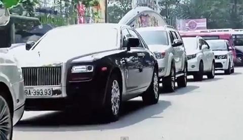 Siêu xe Rolls-Royce, Bentley dài cả phố rước dâu hotgirl 10