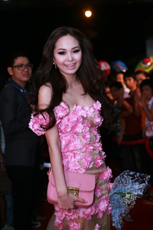 5 xu hướng thời trang làm 'say lòng' mỹ nhân Việt 10
