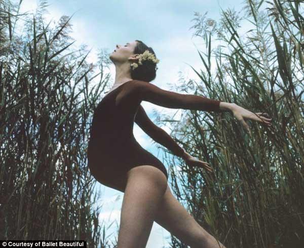 Mang bầu 39 tuần vẫn múa ballet hăng say 2