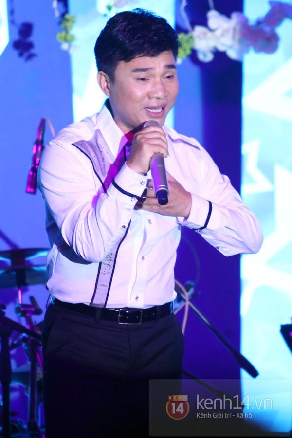 Hà Hồ làm show ủng hộ miền Trung 650 triệu đồng 12