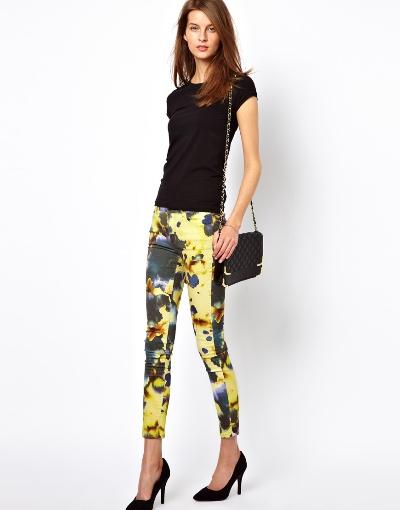 Bí kíp mặc quần bò nữ in hoa đẹp đúng điệu 6