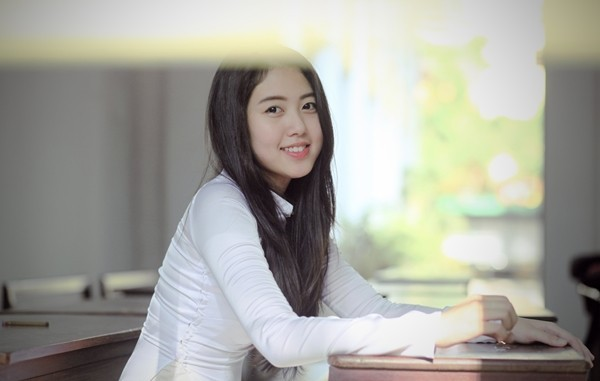 Những hot girl Việt có gương mặt đẹp không tì vết 10