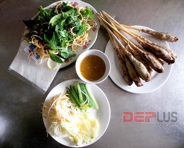 Ăn đồ Huế bình dân phố Nguyễn Phong Sắc 4