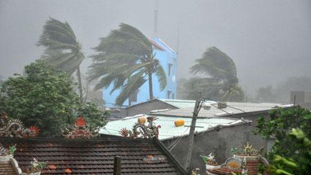 Bão số 11 tấn công: Biển Mỹ Khê dậy sóng dữ dội 3