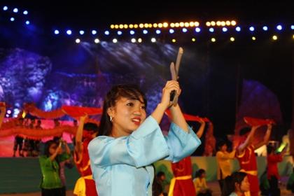 Ngắm hình ảnh rực rỡ tại lễ hội Carnaval Hạ Long 2013 11
