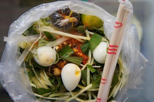 12 món ăn vặt vỉa hè không thể bỏ qua ở Sài Gòn 1