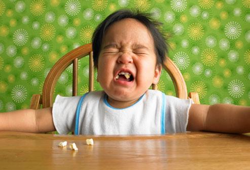 8 vấn đề khiến mẹ đau đầu khi cho bé ăn 1
