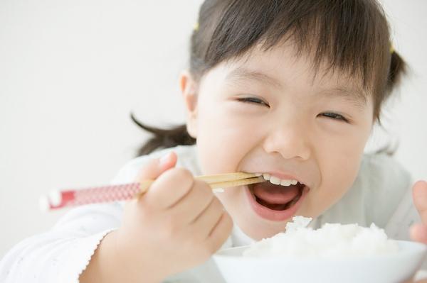 Bí quyết giúp bé ăn ngon miệng 1