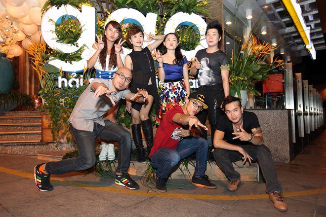 Vợ chồng Tăng Thanh Hà tình cảm đi tiệc 23