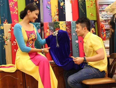 Trương Thị May chọn trang phục đến Miss Universe 3