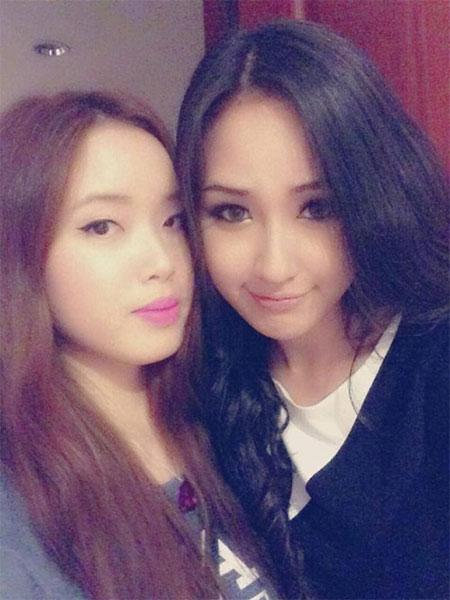 Mai Phương Thúy đọ dáng với em gái trong trang phục bikini 2