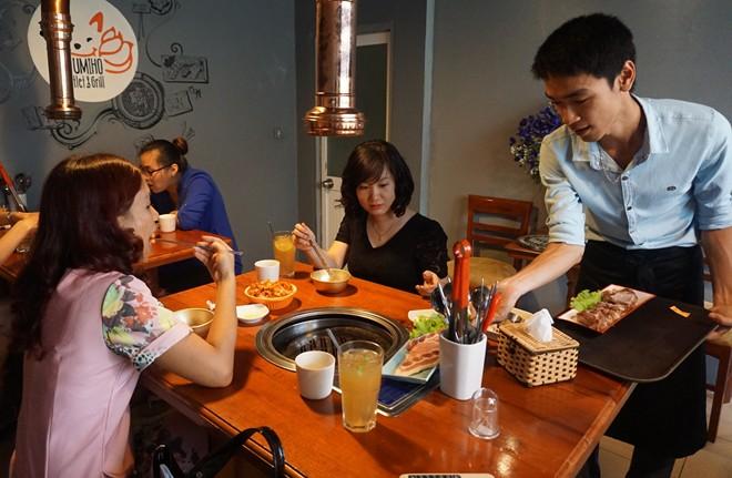 8x mở quán nhậu dành riêng cho phái nữ kiểu Hàn Quốc 3