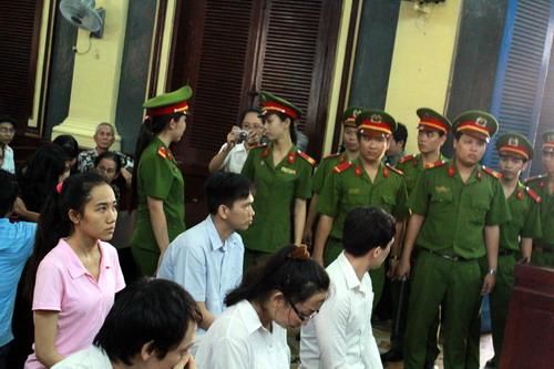 Hoa hậu Mỹ Xuân bị phạt 30 tháng tù 1