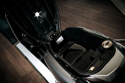 Lambretta ra mắt phiên bản mới màu đen cho năm 2013 6