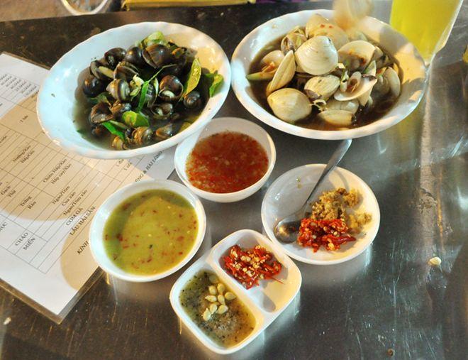 Quán hải sản ngon rẻ hiếm thấy khu phố cổ 2