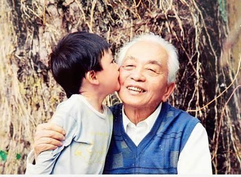 Những dòng chia sẻ xúc động của hai cháu nội Đại tướng Võ Nguyên Giáp 2