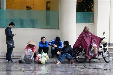 Hà Nội xáo trộn vì bão Haiyan 8