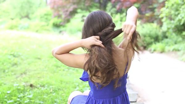 Tự thực hiện 3 kiểu tóc dịu dàng cho mùa thu 5
