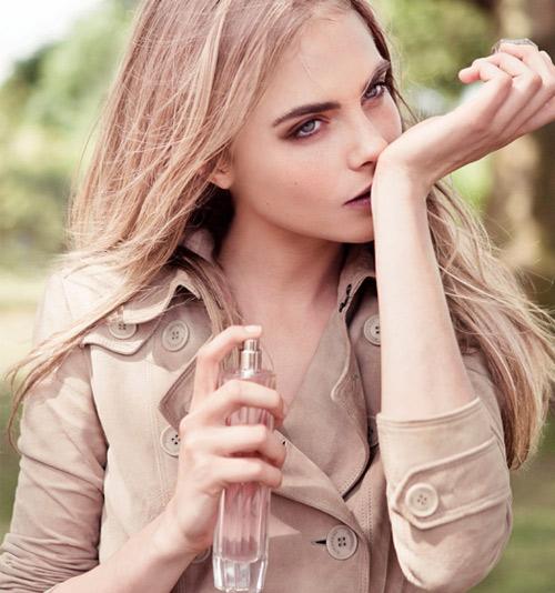 Mẹo giúp bền mùi nước hoa 4