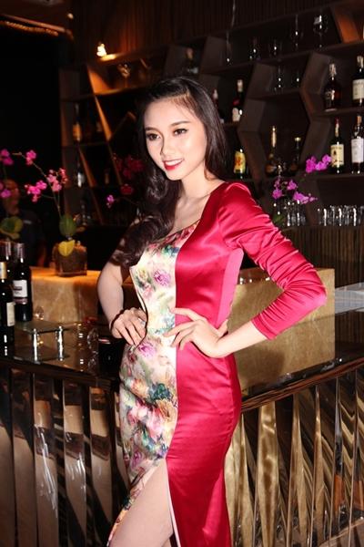 Xuân Lan vác bầu ra Nha Trang tổ chức sinh nhật 8
