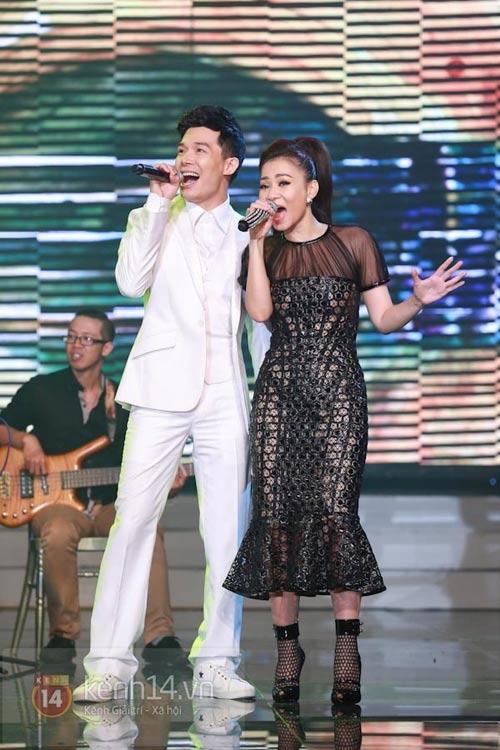 Thu Minh chi 700 triệu sắm hàng hiệu mặc trong Liveshow 7