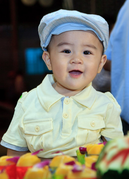 Cậu bé 1 tuổi đã trở thành... tỷ phú, Chủ tịch Hội đồng quản trị 1
