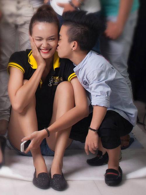 Xúc động clip tình yêu của người mẫu Lê Thanh Thảo và bạn trai 1m26 5