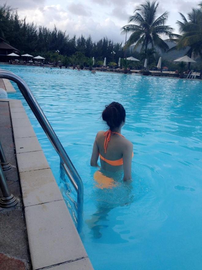 Hương Giang Idol khoe thân hình nóng bỏng với bikini 5