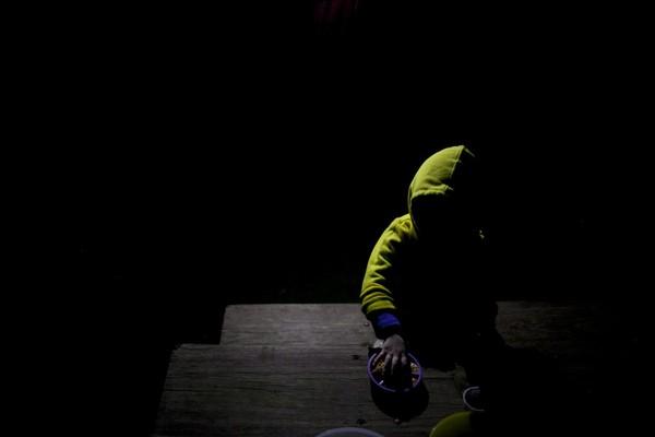 Thế giới bí ẩn của một bé gái 3 tuổi mắc bệnh tự kỷ 1