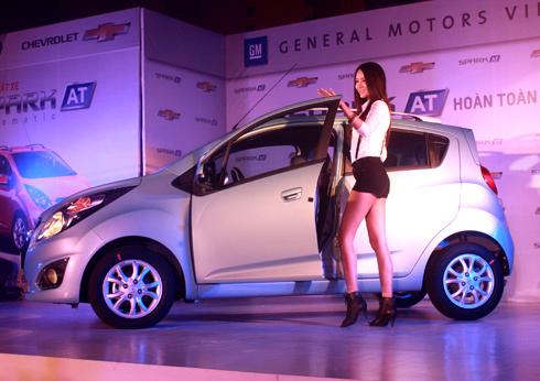 Chevrolet Spark số tự động giá 377 triệu tại Việt Nam 1