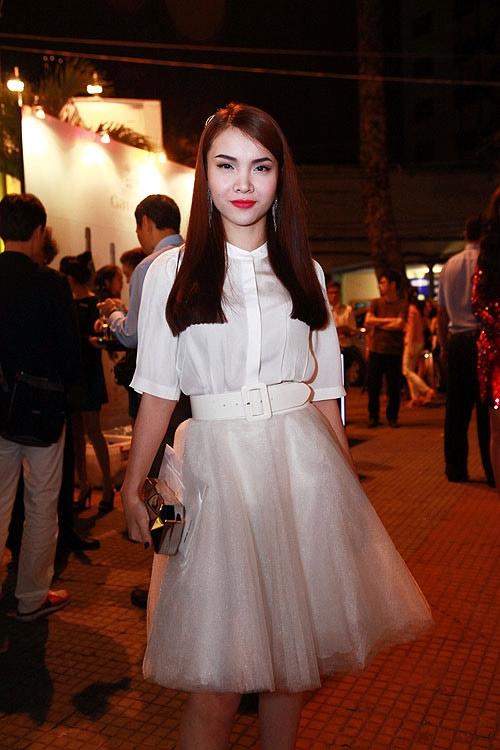 Những mỹ nhân Việt mặc đẹp dù có chiều cao khiêm tốn 27