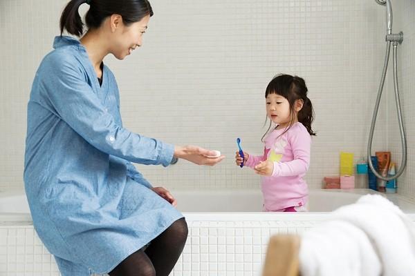 7 thói quen hàng ngày có thể khiến bé bị sâu răng 1