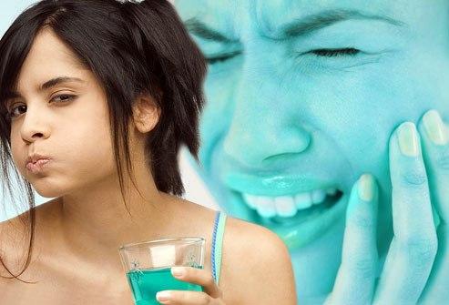 Lạm dụng nước súc miệng gây hư răng 1