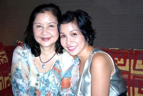 Những khoảnh khắc đặc biệt của Sao Việt và mẹ chồng 10