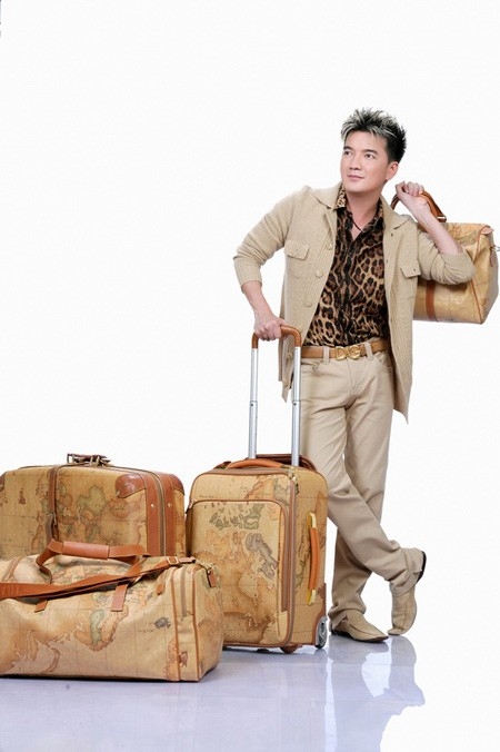 Nhà lầu, xe sang và BST vali hàng hiệu của Đàm Vĩnh Hưng 15
