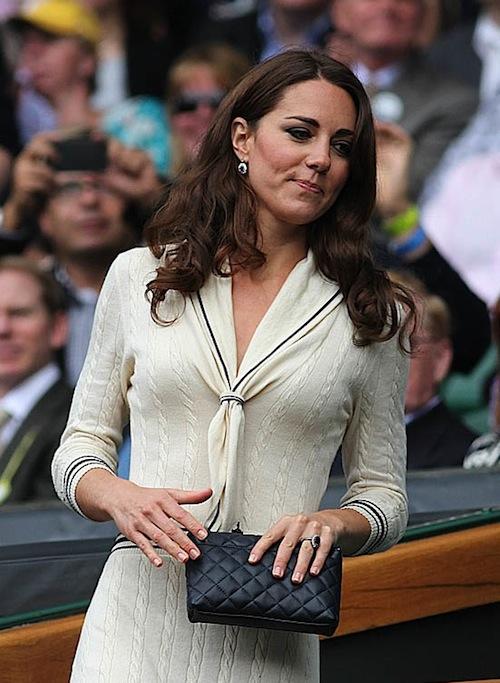 Khám phá bộ sưu tập túi lịch lãm của công nương Kate Middleton 13