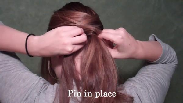 Tự thực hiện 3 kiểu tóc duyên dáng tới công sở 8