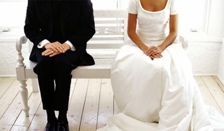 Sốc vì 'vết đen' của chồng sắp cưới 1
