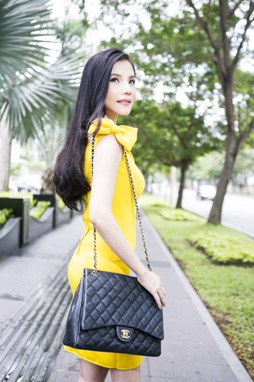 Soi thời trang hàng hiệu trong tháng của sao Việt 5