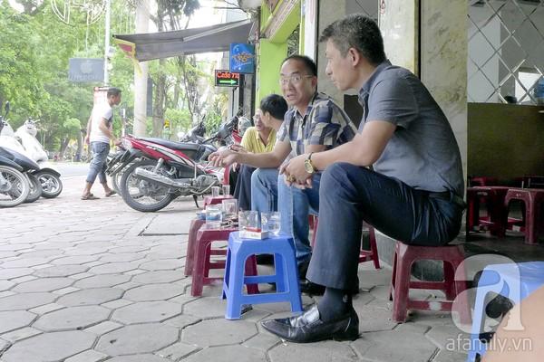 Những khu cafe vỉa hè nổi tiếng nhất Hà Nội 1