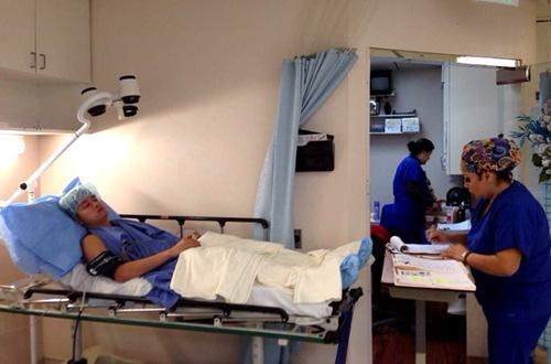 Cao Thái Sơn sang Mỹ để cắt khối u 1