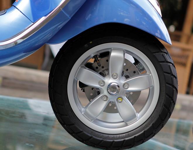 Cận cảnh Vespa Primavera - mẫu xe thay thế LX tại Việt Nam 4