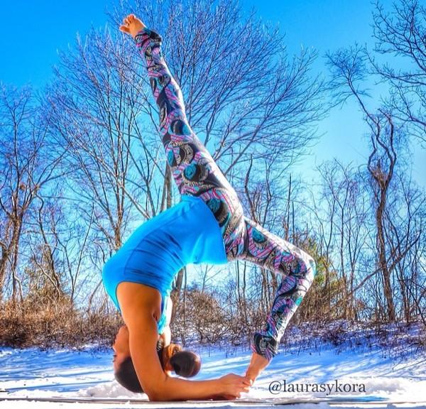 """Chùm ảnh đầy cảm hứng của """"bà mẹ Yoga"""" dáng siêu đẹp 12"""