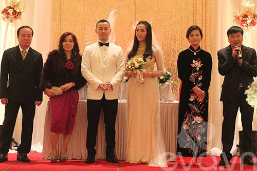Cận cảnh đám cưới cổ tích của Á hậu Thùy Trang 4