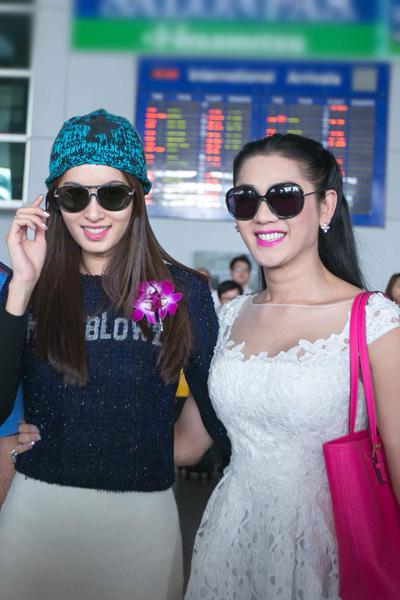 Lâm Chi Khanh đón Hoa hậu chuyển giới Thái Lan ở sân bay Tân Sơn Nhất 4