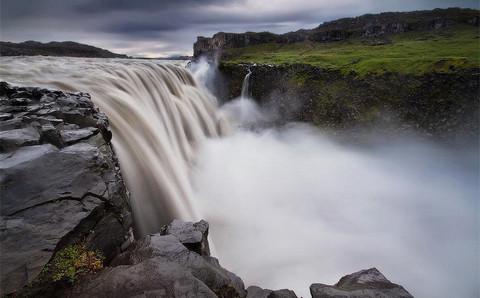 """Vẻ đẹp """"mê hồn"""" của thác nước 'dữ dội' nhất châu Âu 2"""