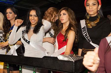 Trương Thị May bị cảm lạnh và sốt cao tại Miss Universe 18