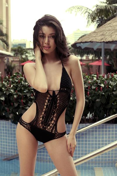 Hà Anh bốc lửa bên top 3 Miss Global 8