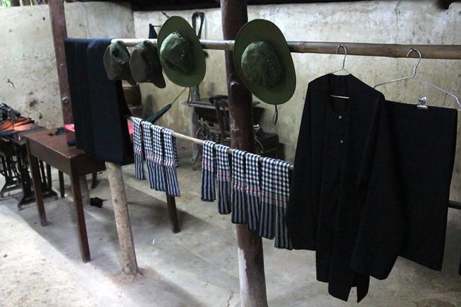 Hàng lưu niệm bằng vỏ đạn giá dưới 100.000 đồng ở Sài Gòn 11