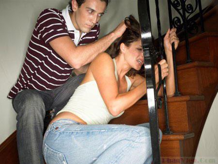 Bắt vợ xem phim đồi trụy rồi ra tay tàn nhẫn để thỏa mãn 1